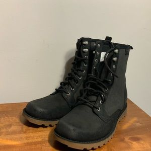New Without Box UGG Boots Men's Size 8